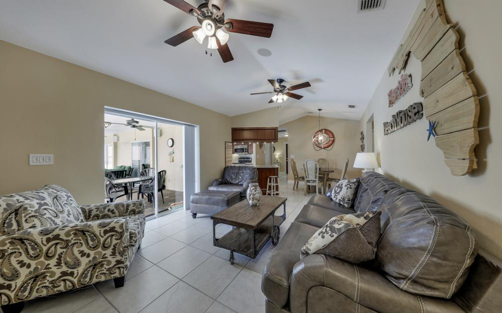 970 Ironwood Ct, Marco Island - Home For Sale 318500944