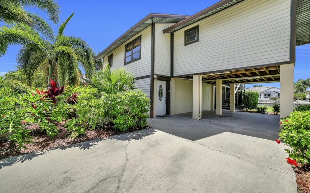 1149 Bond Ct, Marco Island - Home For Sale 729924208