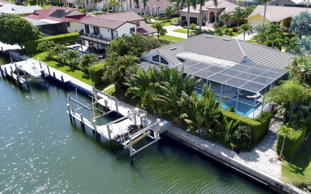 1230 Osprey Ct, Marco Island - Home For Sale 442294177