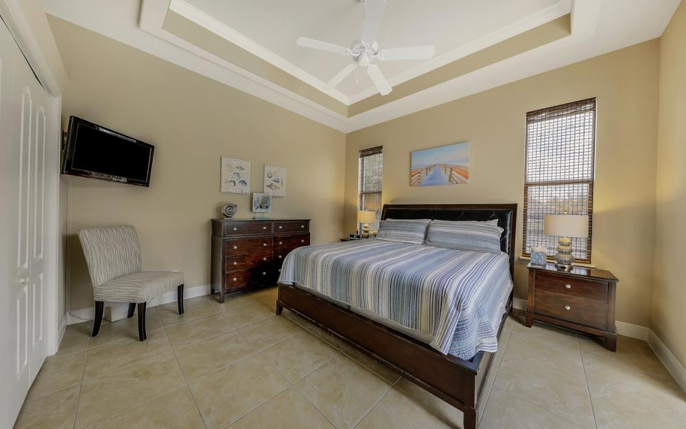 5231 SW 28th Pl, Cape Coral - Luxury Home For Sale 341227978