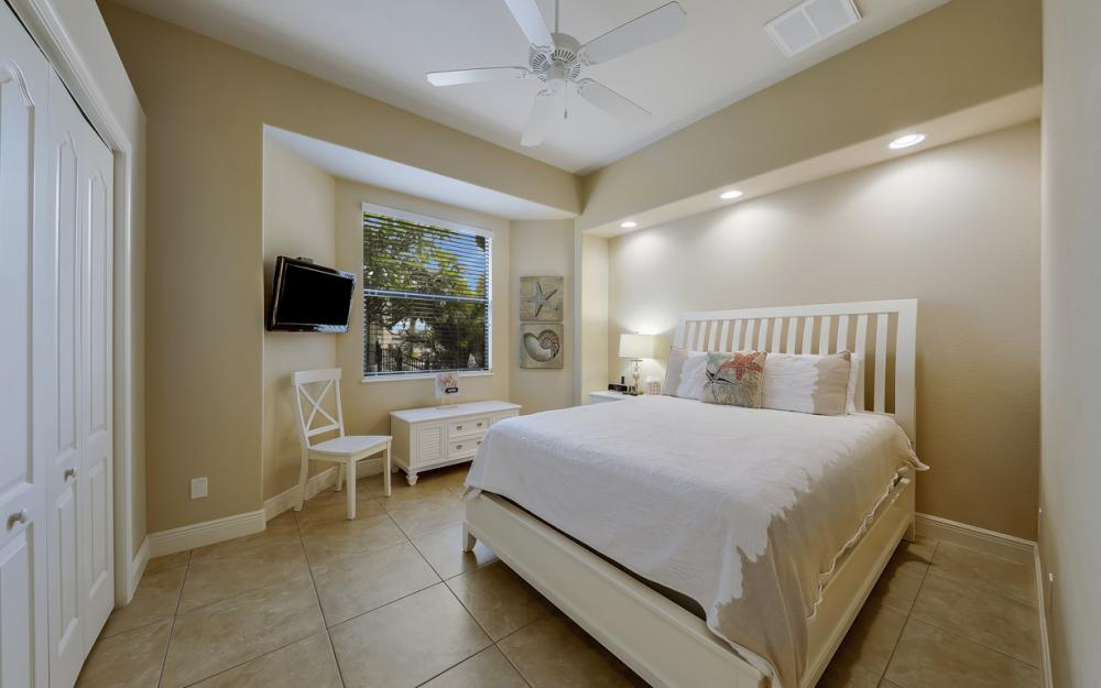 5231 SW 28th Pl, Cape Coral - Luxury Home For Sale 1037156070