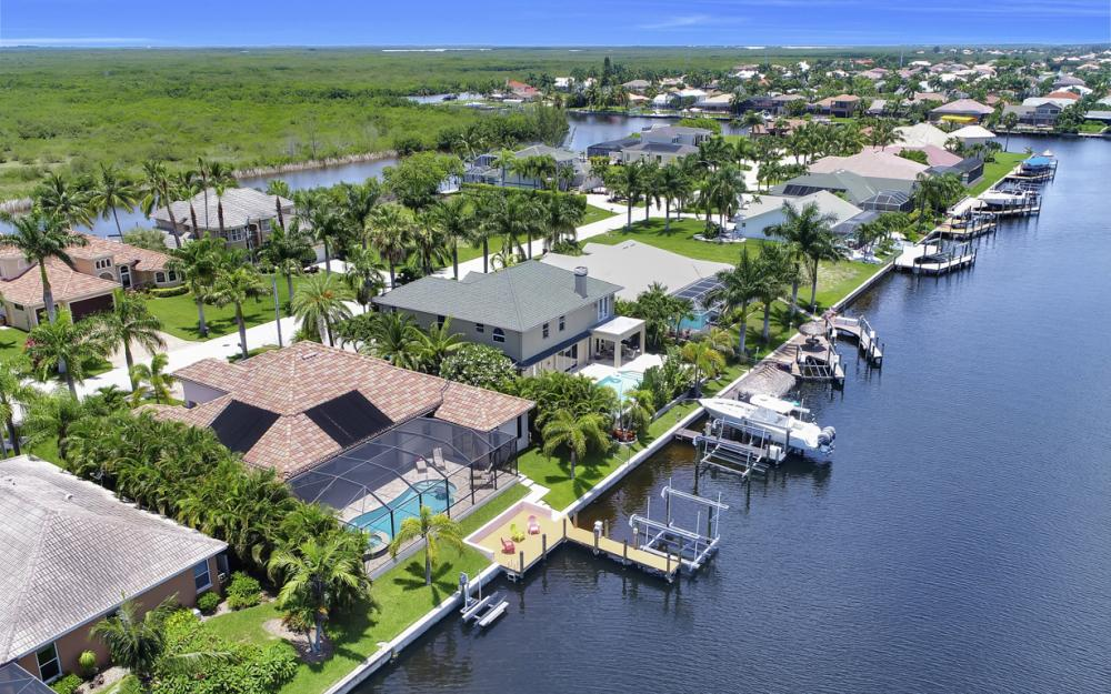 5231 SW 28th Pl, Cape Coral - Luxury Home For Sale 20689253