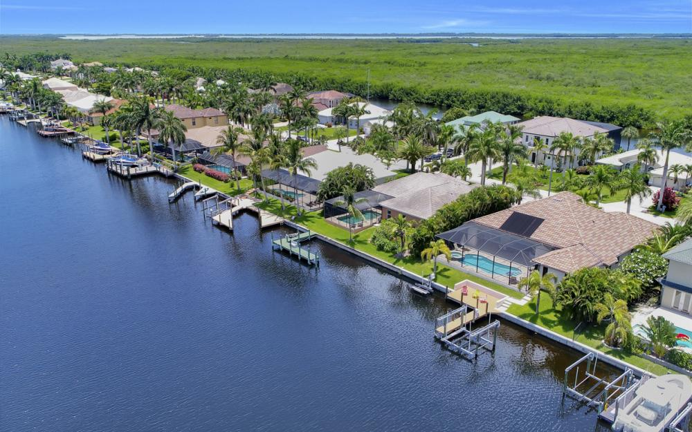 5231 SW 28th Pl, Cape Coral - Luxury Home For Sale 1964530755