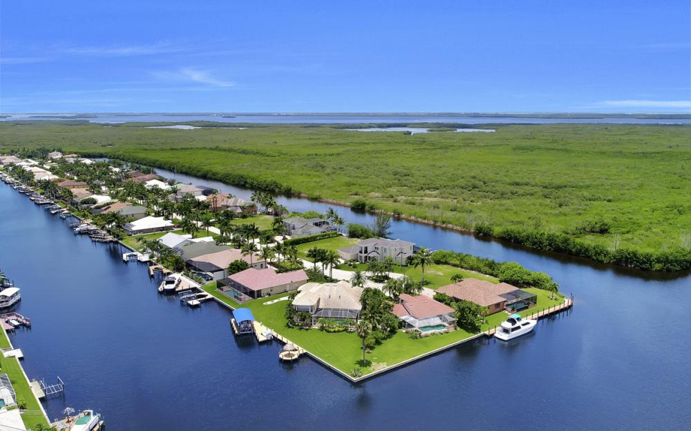 5231 SW 28th Pl, Cape Coral - Luxury Home For Sale 1467945871