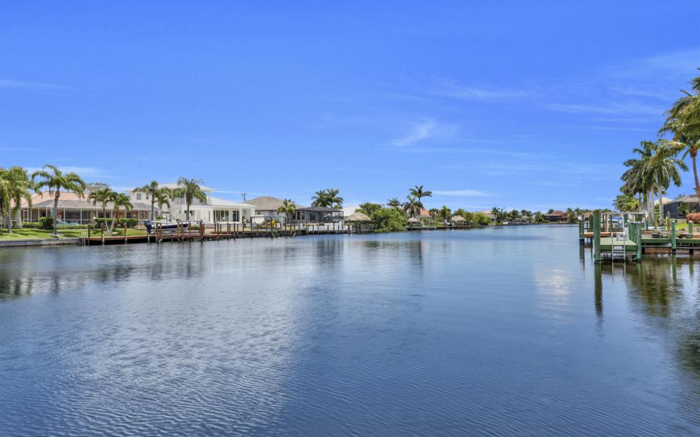 5231 SW 28th Pl, Cape Coral - Luxury Home For Sale 1615430155