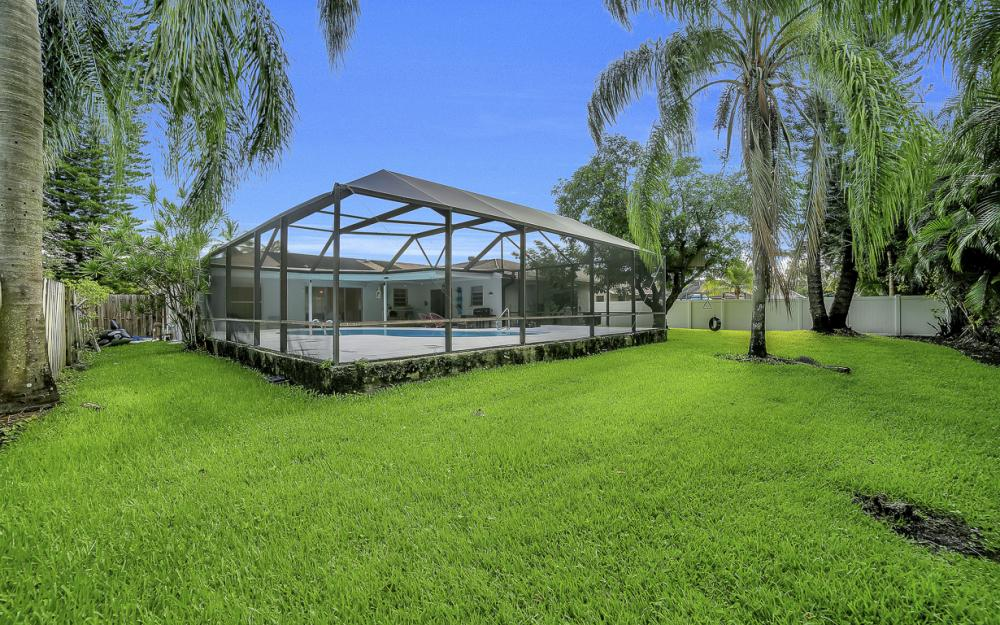 118 Willowick Dr, Naples - Home For Sale 897628549