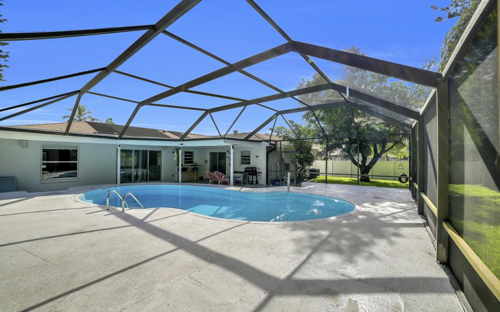 118 Willowick Dr, Naples - Home For Sale 345413686