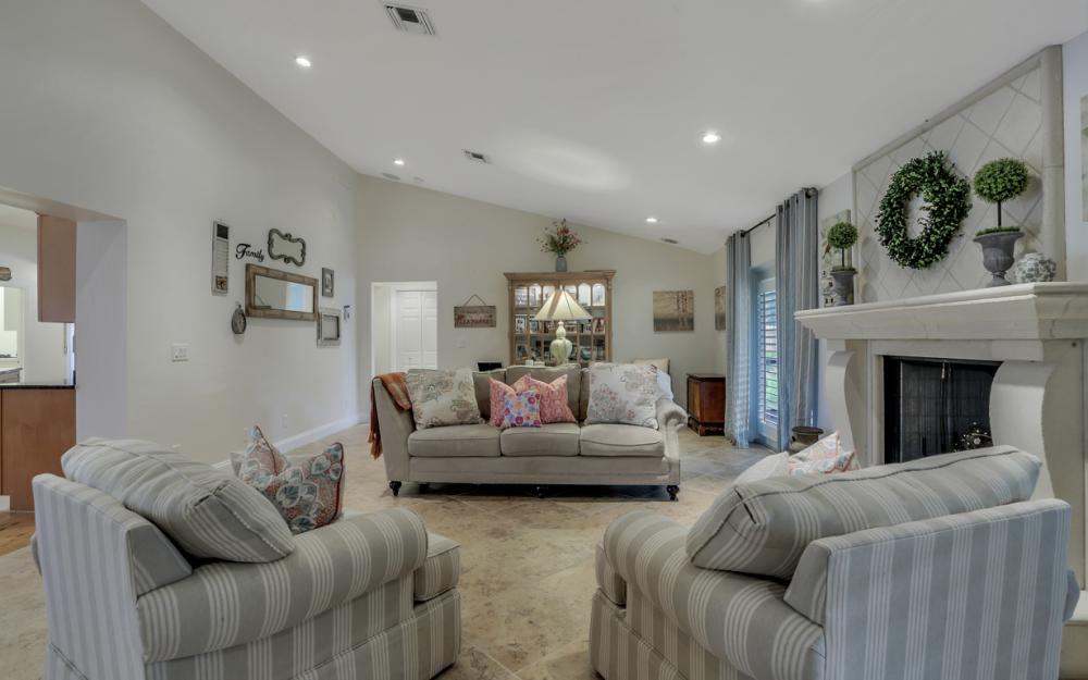 438 Cypress Way E, Naples - Home For Sale 550901887