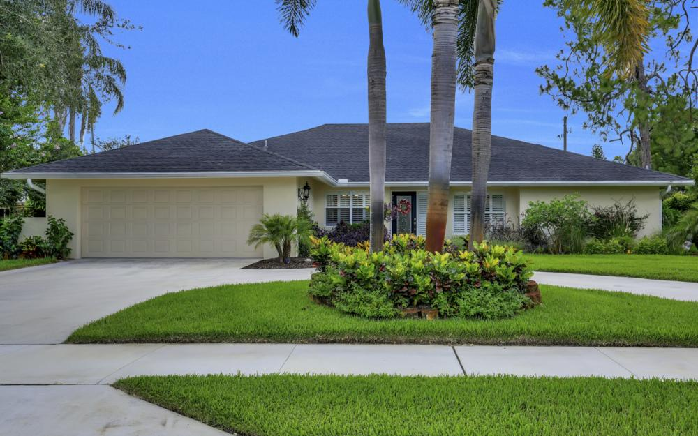 438 Cypress Way E, Naples - Home For Sale 963734925