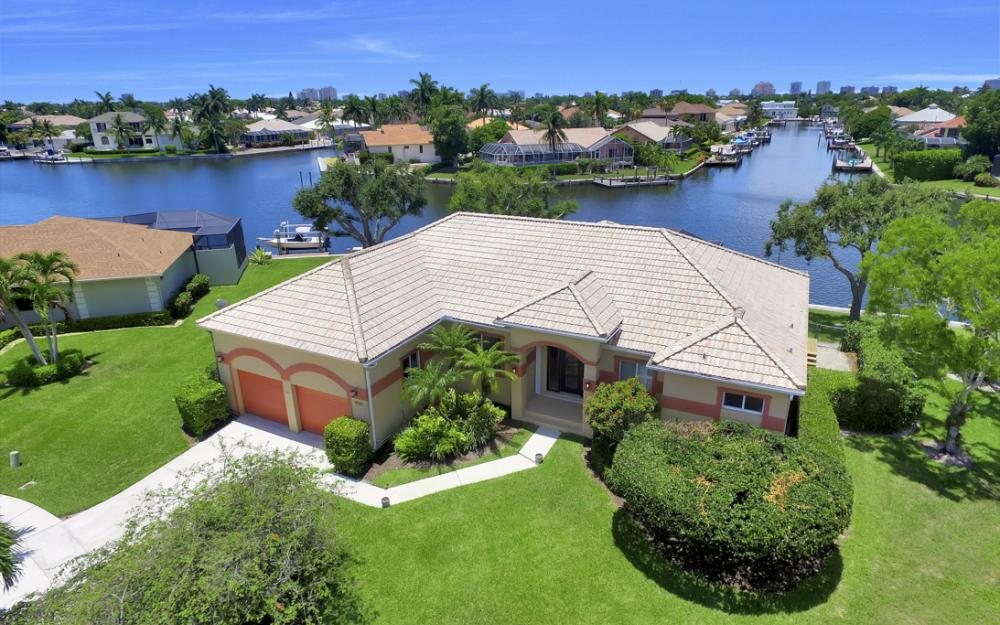 1710 Canary Ct, Marco Island - Home For Sale 2092156401