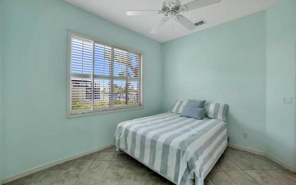 1710 Canary Ct, Marco Island - Home For Sale 61797647