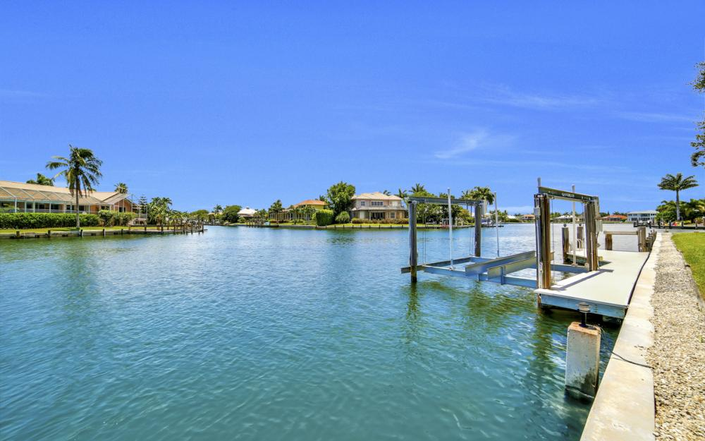 1710 Canary Ct, Marco Island - Home For Sale 1112052587