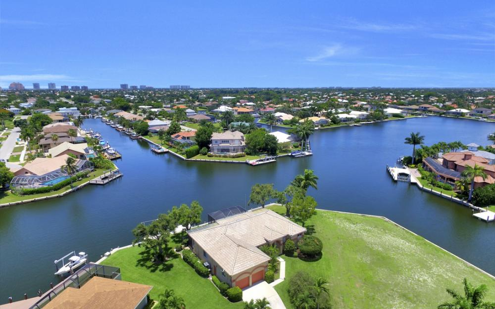 1710 Canary Ct, Marco Island - Home For Sale 540226778