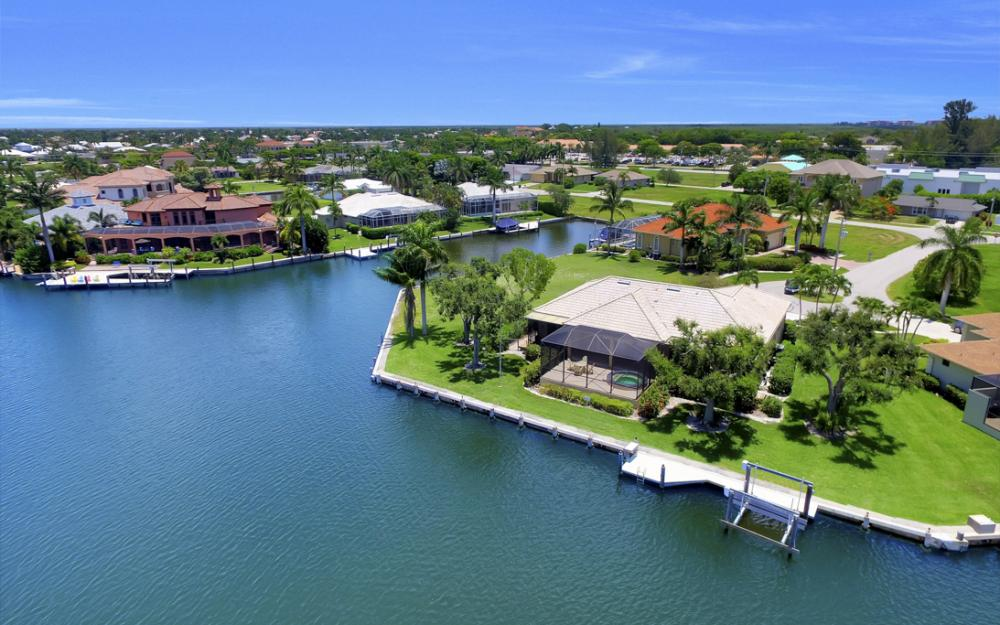 1710 Canary Ct, Marco Island - Home For Sale 1941148521