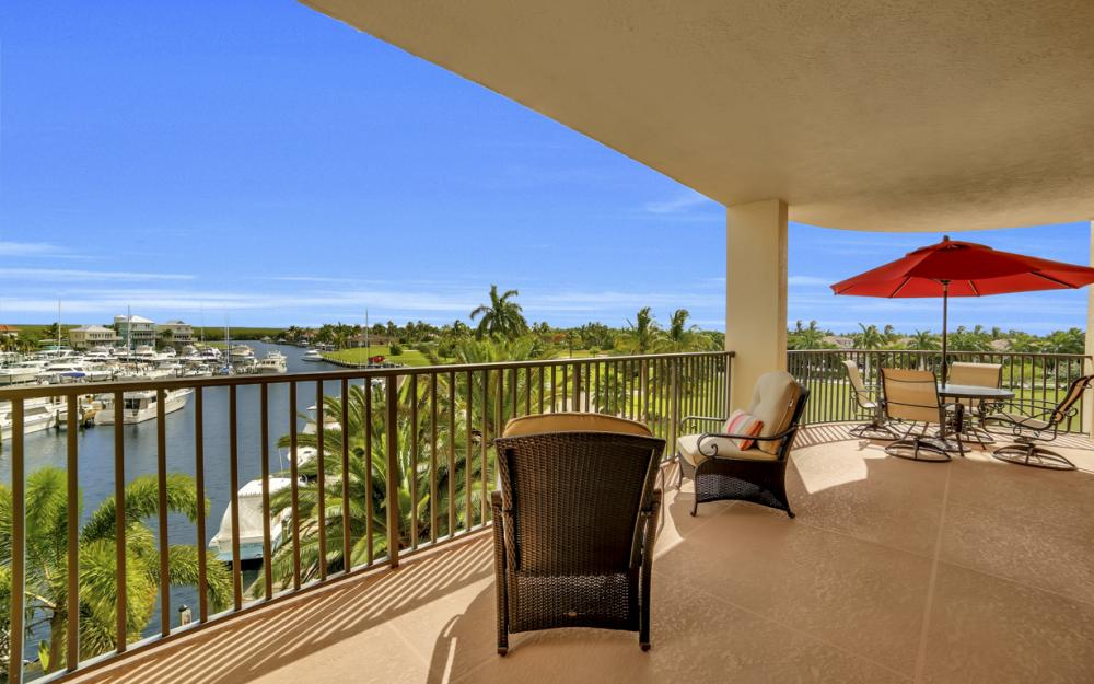 5702 Cape Harbour Dr #301, Cape Coral - Condo For Sale 152431810