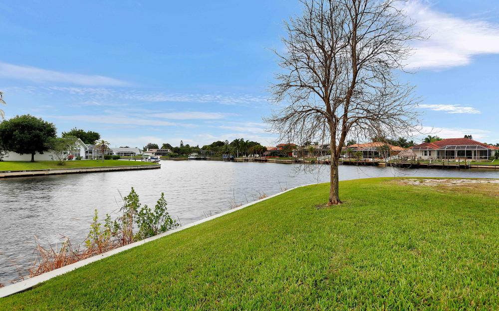 2132 SE 20th Pl, Cape Coral - Home For Sale 1429698388