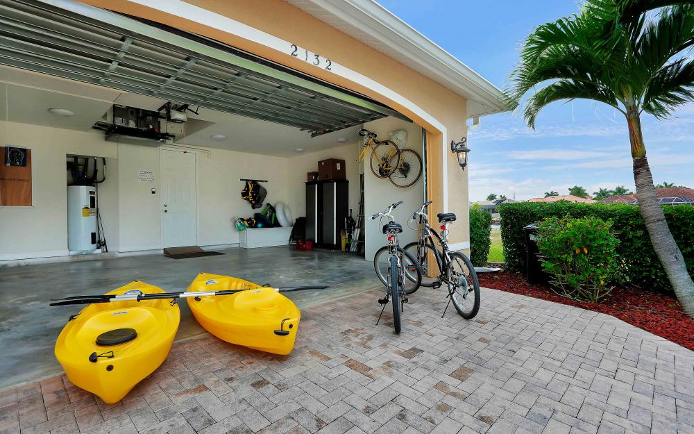 2132 SE 20th Pl, Cape Coral - Home For Sale 292050025