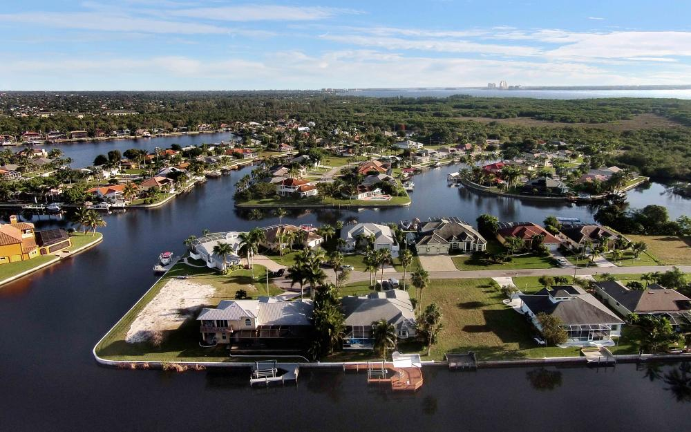 2132 SE 20th Pl, Cape Coral - Home For Sale 1073015789
