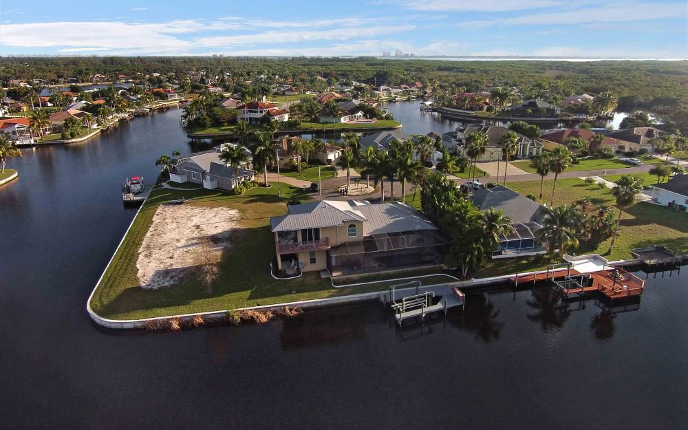 2132 SE 20th Pl, Cape Coral - Home For Sale 614608478