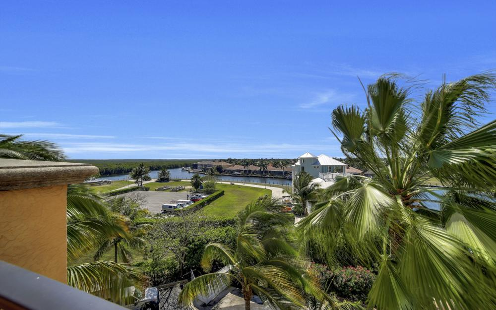 5781 Cape Harbour Dr #507, Cape Coral - Condo For Sale 1752414812