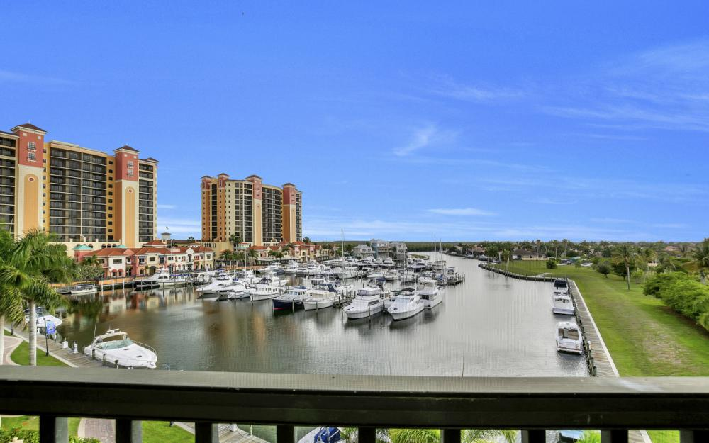 5702 Cape Harbour Dr #402, Cape Coral - Condo For Sale 982672350