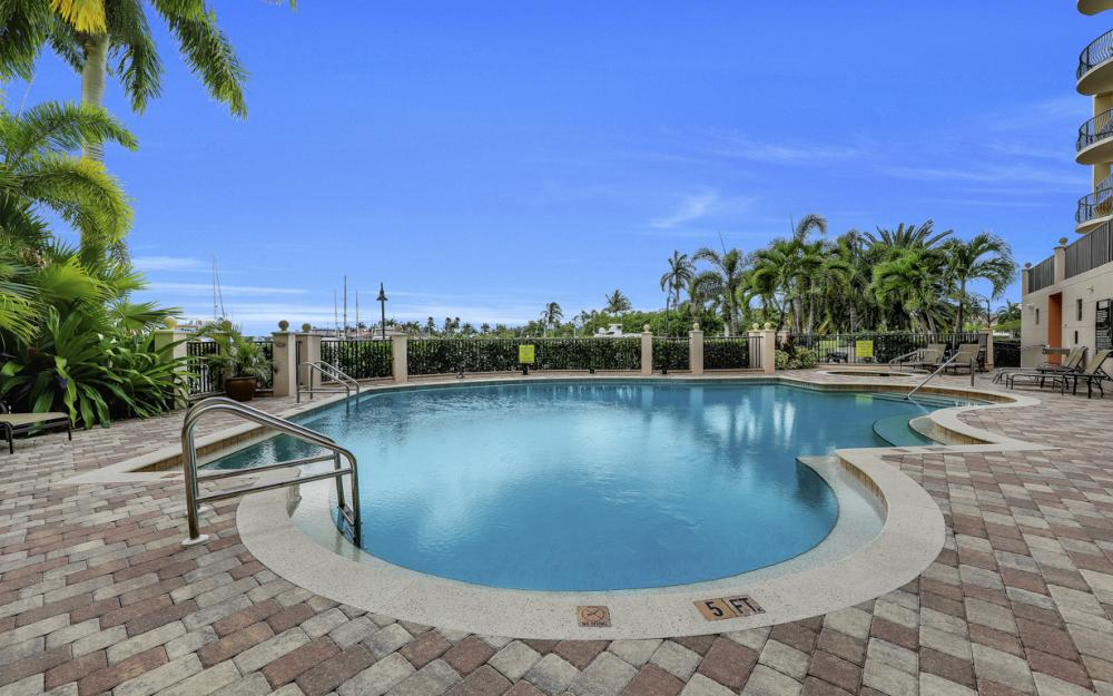 5702 Cape Harbour Dr #402, Cape Coral - Condo For Sale 445848933