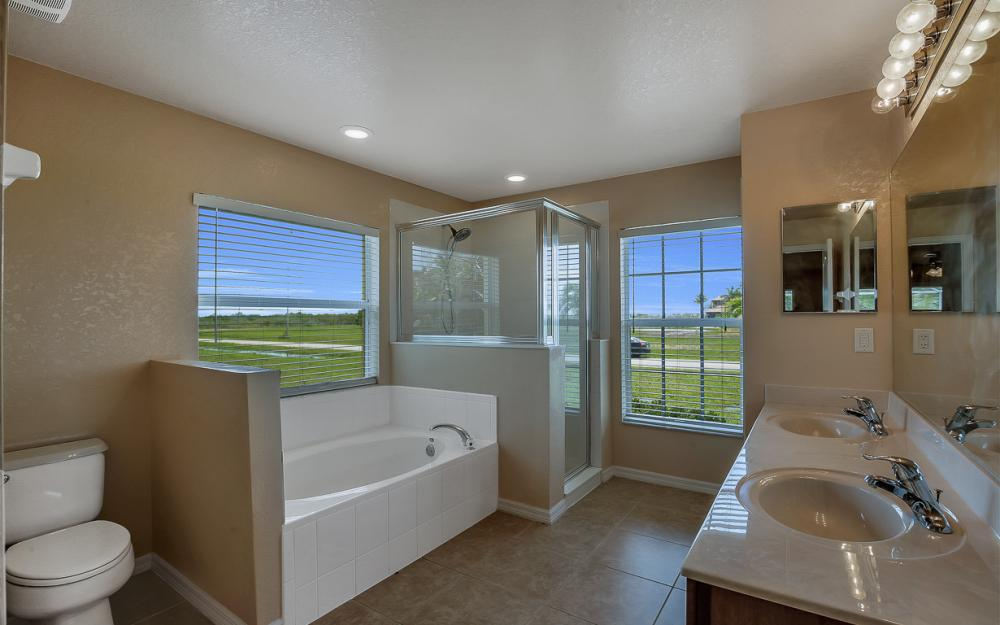 2847 NW 46th Pl, Cape Coral - Home For Sale 700658208
