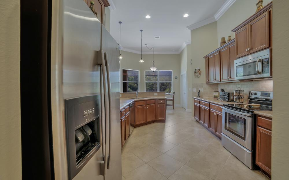 26430 Doverstone St, Bonita Springs - Home For Sale 466667588