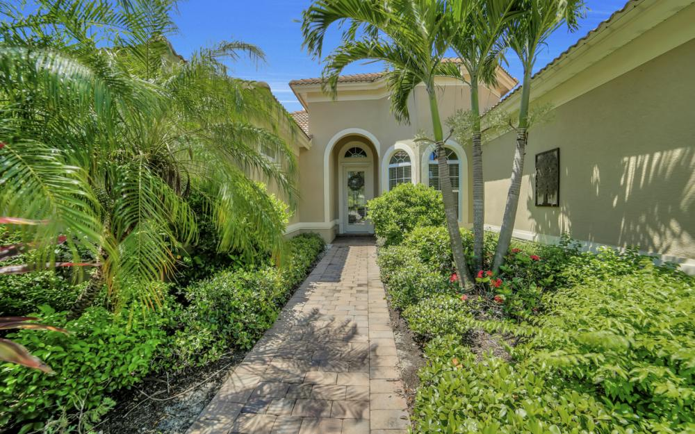 26430 Doverstone St, Bonita Springs - Home For Sale 1809988269
