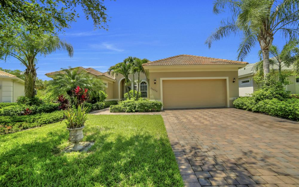 26430 Doverstone St, Bonita Springs - Home For Sale 1975811658