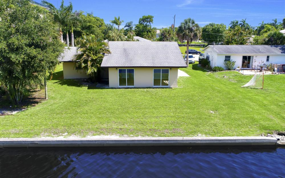 4810 Regal Dr, Bonita Springs - Home For Sale 1170293332