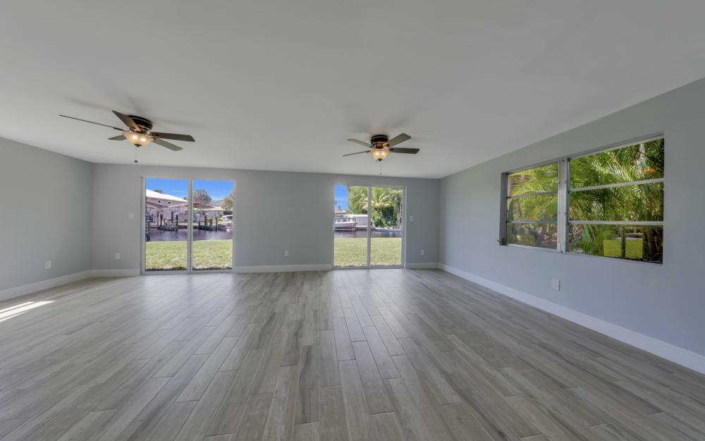 4810 Regal Dr, Bonita Springs - Home For Sale 803151285