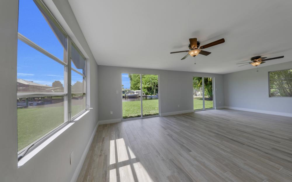 4810 Regal Dr, Bonita Springs - Home For Sale 655773582