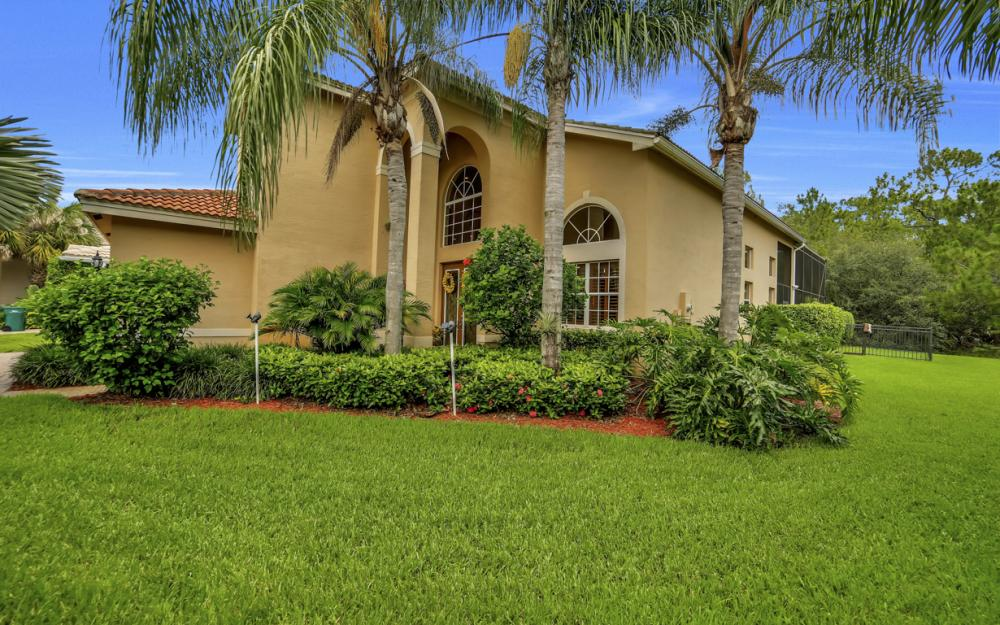 2401 Leafshine Ln, Naples - Home For Sale 597735741