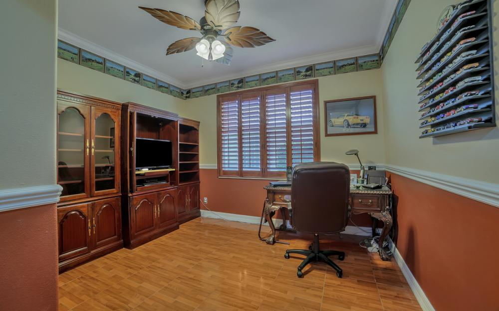 2401 Leafshine Ln, Naples - Home For Sale 637425428