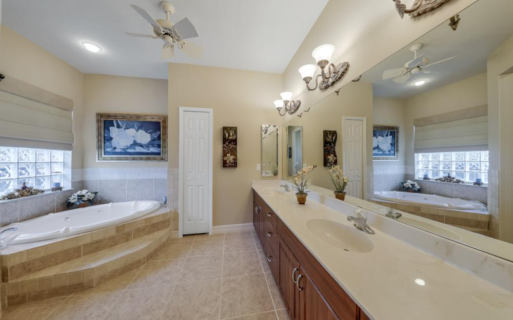 3221 SW 29th Ave, Cape Coral - Home For Sale 1677538973