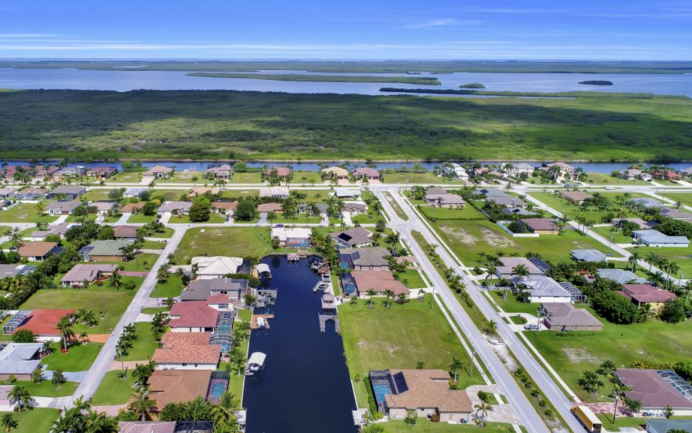 3221 SW 29th Ave, Cape Coral - Home For Sale 2037613731