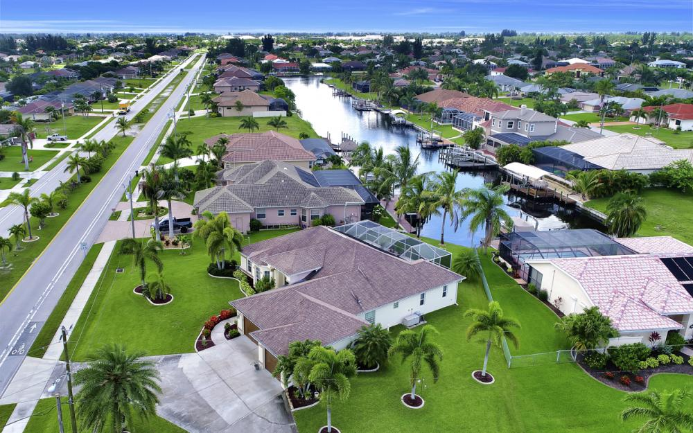 3221 SW 29th Ave, Cape Coral - Home For Sale 272614124
