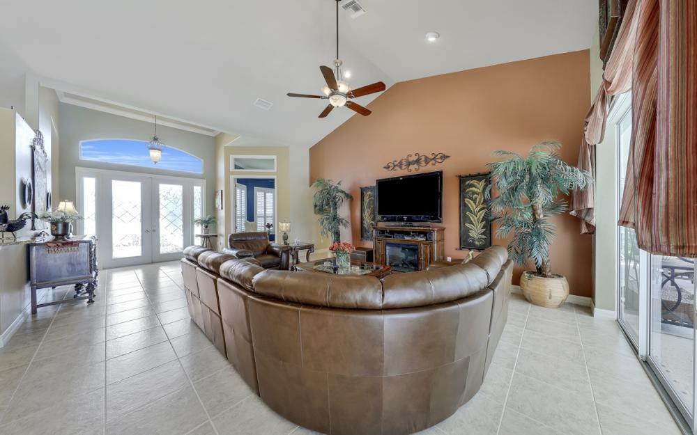 3221 SW 29th Ave, Cape Coral - Home For Sale 36700193