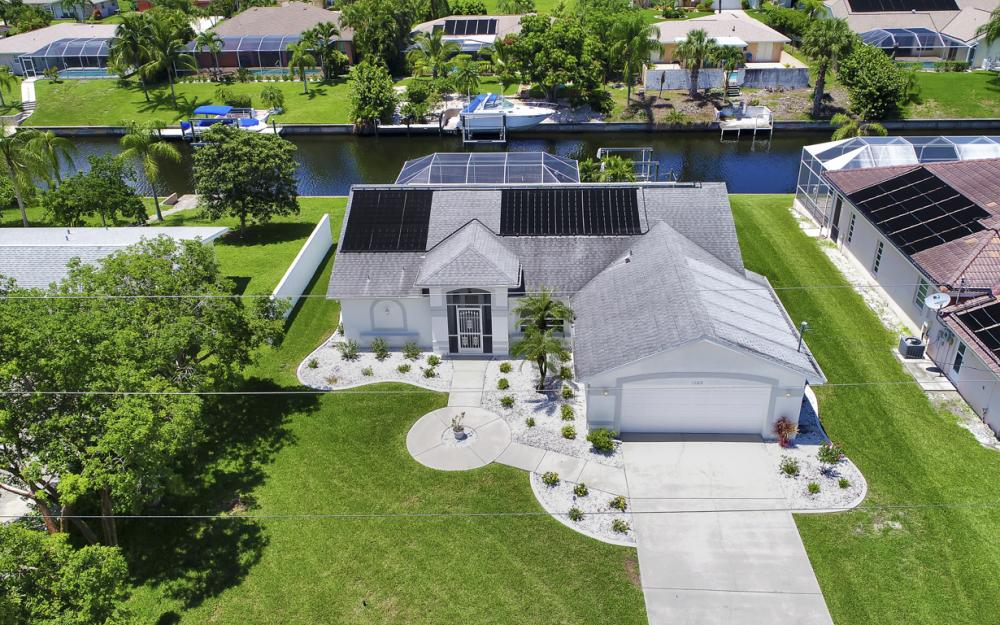 1323 SE 31st Ter, Cape Coral - Home For Sale 896301320