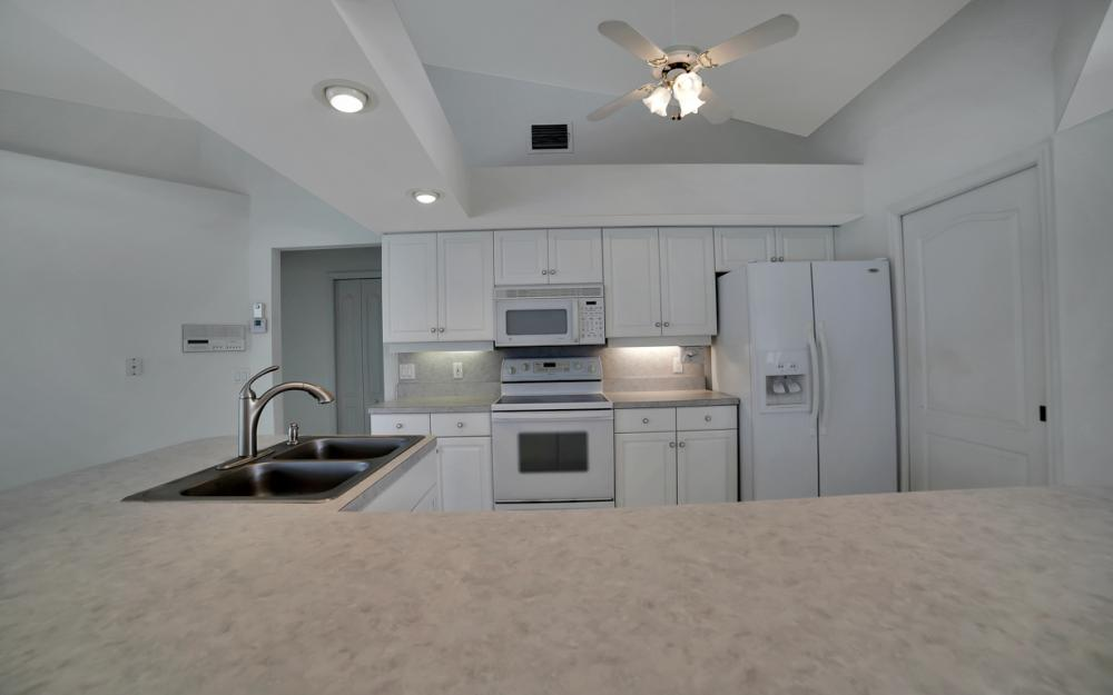 1323 SE 31st Ter, Cape Coral - Home For Sale 1069787225