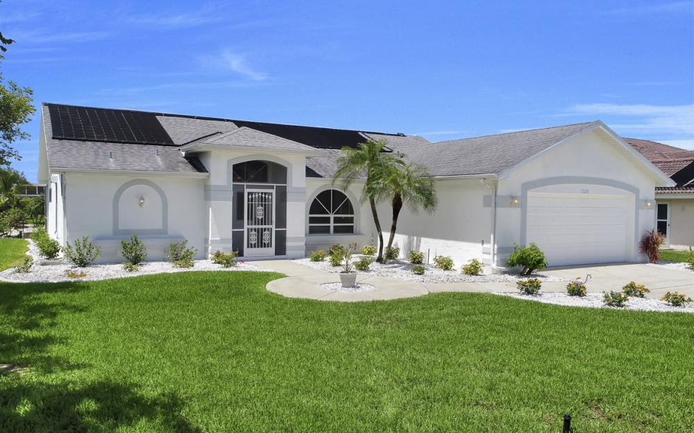 1323 SE 31st Ter, Cape Coral - Home For Sale 817044008