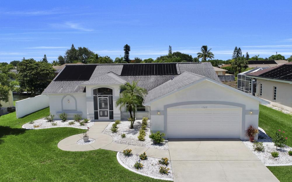 1323 SE 31st Ter, Cape Coral - Home For Sale 6376207