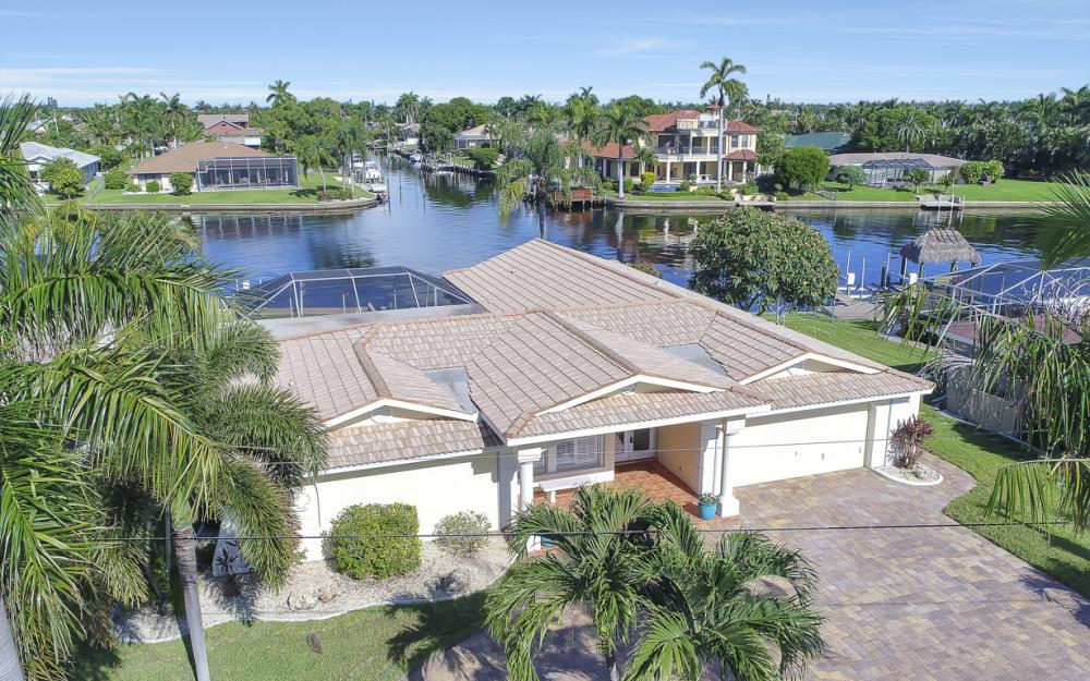 3710 SE 21st Ave, Cape Coral - Home For Sale 730414526