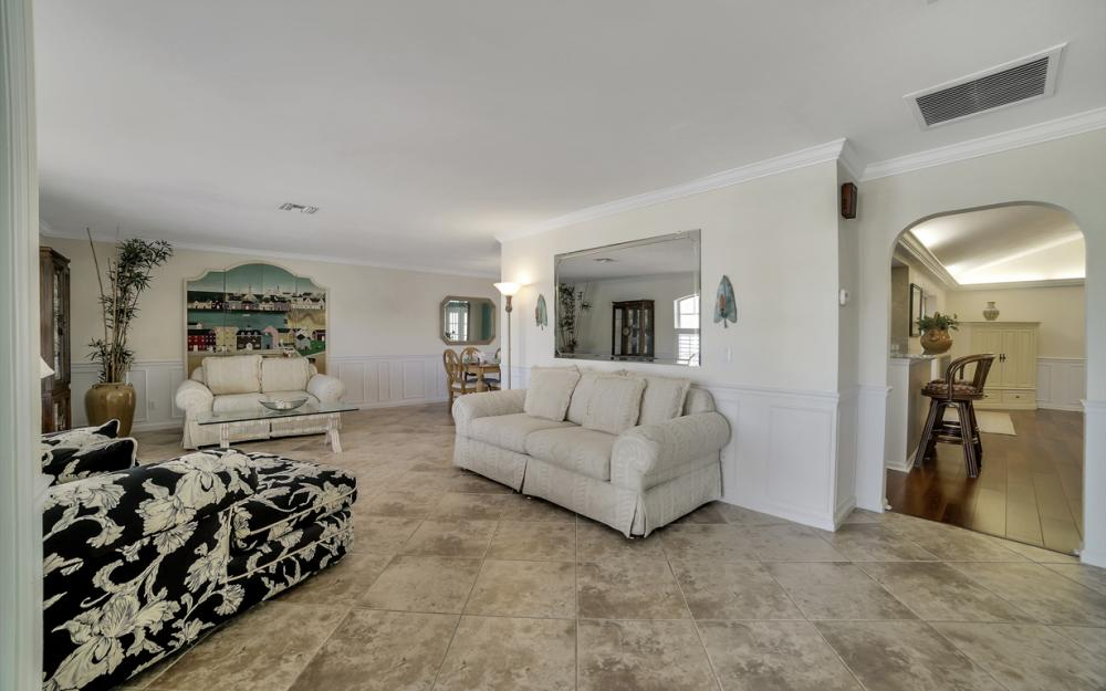 3710 SE 21st Ave, Cape Coral - Home For Sale 913047455