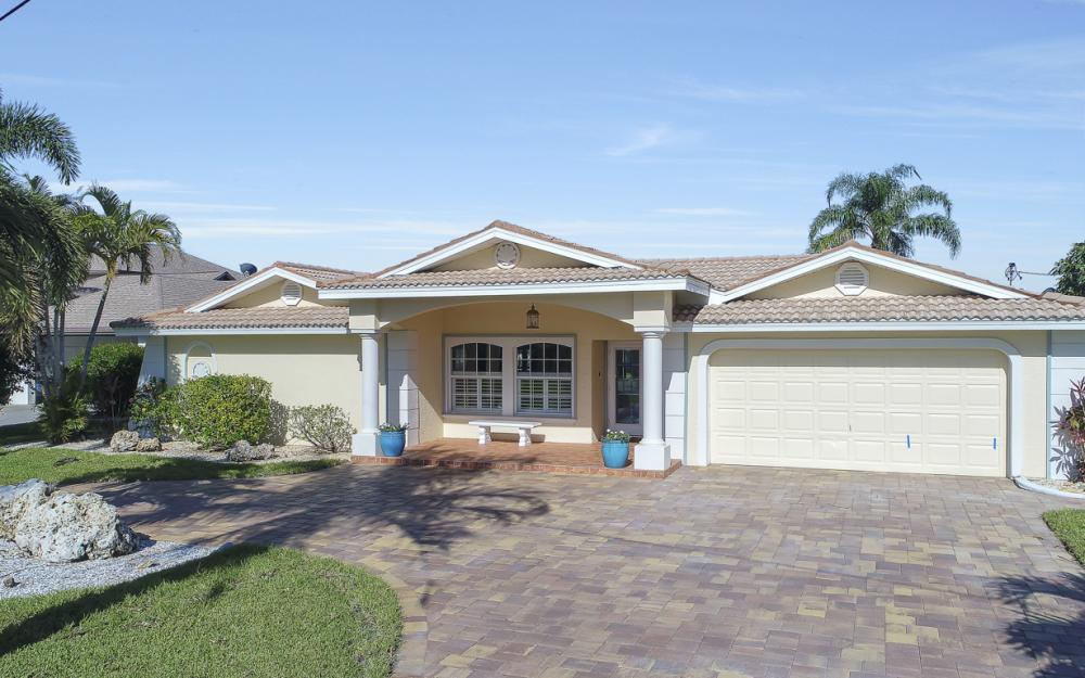 3710 SE 21st Ave, Cape Coral - Home For Sale 850538892