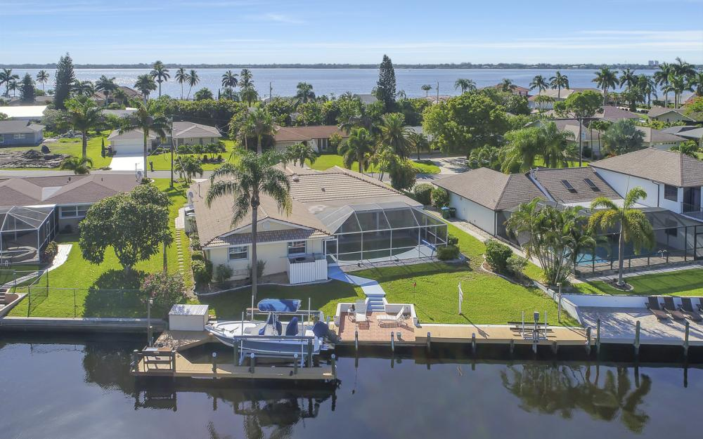 3710 SE 21st Ave, Cape Coral - Home For Sale 1295087238