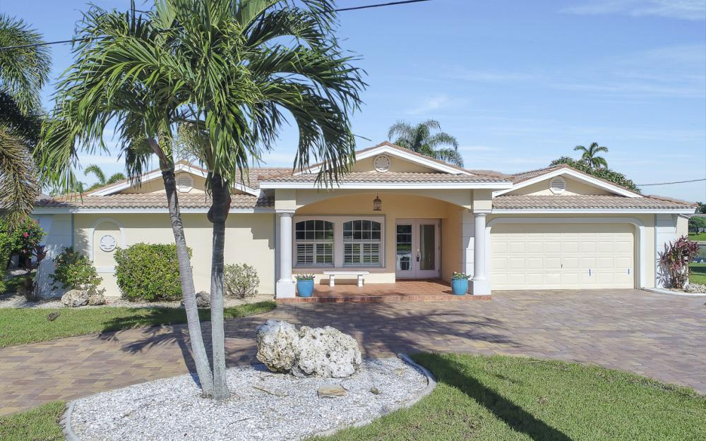 3710 SE 21st Ave, Cape Coral - Home For Sale 1989330489