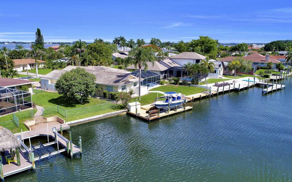 3710 SE 21st Ave, Cape Coral - Home For Sale 557885124
