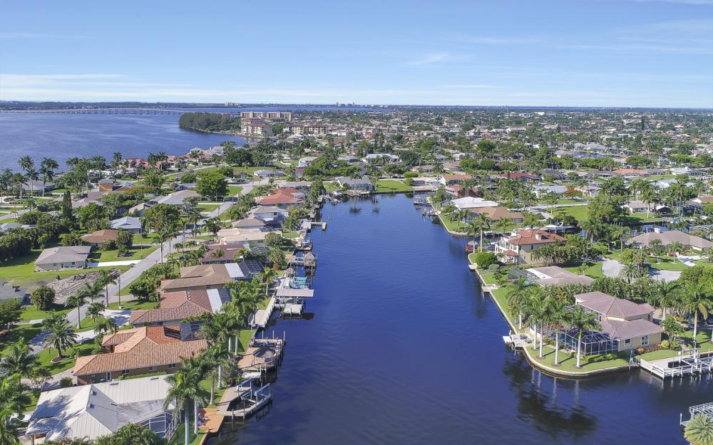 3710 SE 21st Ave, Cape Coral - Home For Sale 1979465239